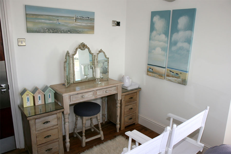 Beach Hut Room